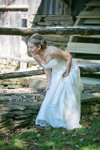 Picture is from a wedding I did. Check out the photographer at http://www.lorileshphotography.com/